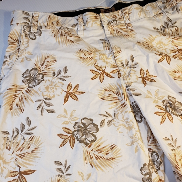 The Foundry Supply Co. Other - Foundry Big Tall Hawaiian Flat Front Shorts 52